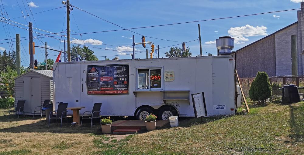 Hannahman's Roadside BBQ Food Truck in Barrie